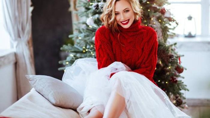 Rekomendasi Lipstik Warna Merah untuk Make Up Natal