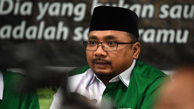 Dalam perayaan Natal virtual, Menteri Agama Yaqut Cholil Qoumas mengaku dirinya adalah menteri semua agama dan Indonesia bukan milik satu agama saja.