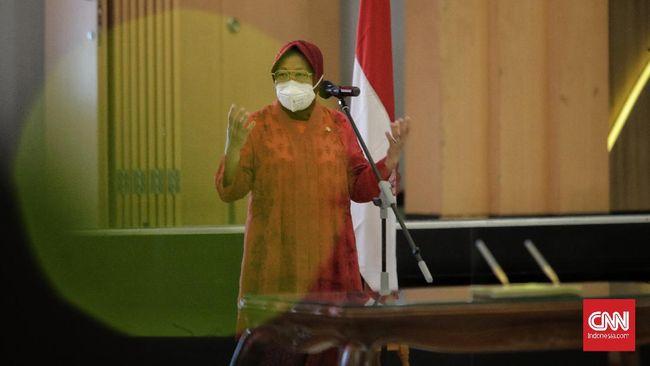 Eks Walikota Surabaya Tri Rismaharini memamerkan klaim keberhasilannya menangani banjir. Itu disampaikan Ketua DPP PDIP itu saat Jakarta dilanda banjir.