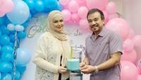 <p>Kabar kehamilan Siti Nurhaliza tentu disambut baik. Pasalnya, ia menunggu kehamilan anak pertama selama 12 tahun. (Foto: Instagram @ctdk)</p>