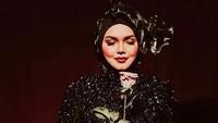 <p>Siti Nurhaliza memiliki anak pertama di tahun 2018. Kurang dari 2 tahun, Siti Nurhaliza kembali hamil, Bunda. (Foto: Instagram @ctdk)</p>