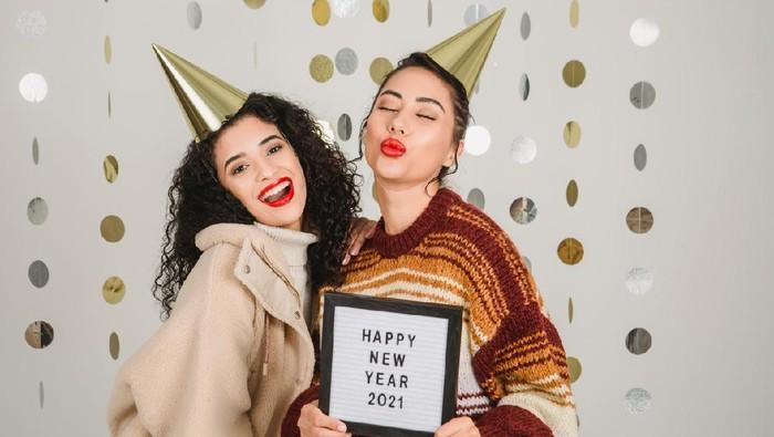 5 Kegiatan Seru di Rumah, yang Bisa Dilakukan Saat Tahun Baru