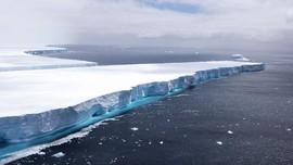 FOTO: Ancaman Gunung Es Raksasa Terbelah di Antartika