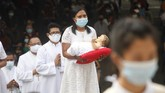 Pandemi virus Corona dan protokol kesehatan tak menganggu khidmatnya perayaan Natal 2020 di penjuru Indonesia.