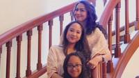 <p>Farrah merupakan putri dari Thareq Kemal Habibie dan Widya Leksmanawati. Thareq sendiri adalah anak kedua Habibie dan Ainun. (Foto: Instagram @farrahhab)</p>