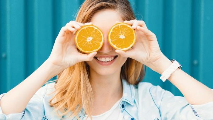 Rekomendasi Serum Vitamin C, Mampu Memudarkan Flek Hitam pada Wajah!