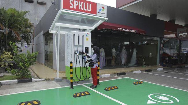 Dua SPKLU baru berdiri di Jakarta, hasil kerja sama BPPT dan Pertamina.