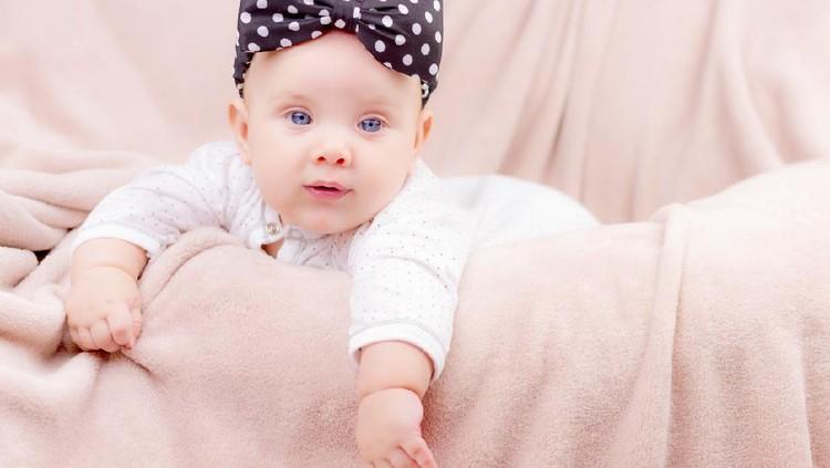 Benda-benda astronomi sering kali dijadikan inspirasi sebagai nama bayi. Bunda juga tertarik? Ini dia 100 nama bayi perempuan terinspirasi dari astronomi.