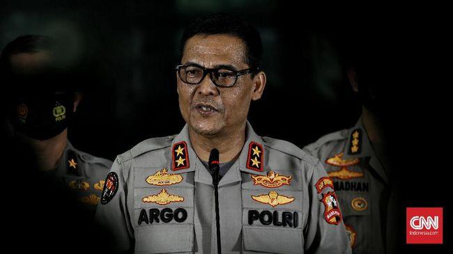 Kadiv Humas Irjen Argo Yuwono mengatakan pihaknya bakal menindaklanjuti temuan Komnas HAM yang menyebut anggota polisi melanggar HAM.