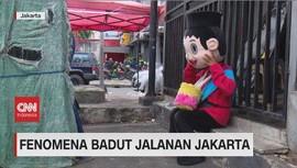 VIDEO: Fenomena Badut Jalanan Jakarta