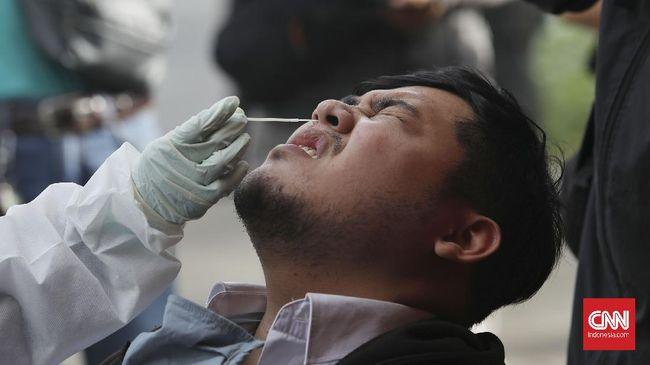 Kasus positif Covid-19 bertambah 5.744 orang pada hari ini, Senin (22/3). Sementara pasien meninggal bertambah 161 orang.