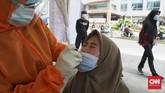 Polda Metro Jaya bersama Kodam Jaya mengadakan tes usap (swab test) antigen gratis dalam Operasi Lilin Jaya 2020 sejak Rabu 23 Desember 2020.