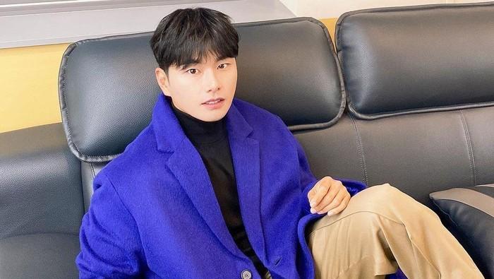 5 Aktor Korea yang Selalu Perankan Karakter Lucu, Sukses Bikin Ngakak!