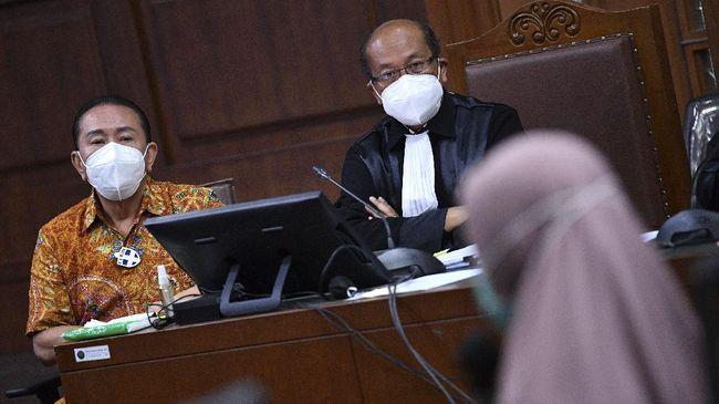 Di hadapan majelis hakim tipikor, manajer sistem operator Garuda Indonesia mengungkap nama Djoko Tjandra di dalam manifes penerbangan domestik.
