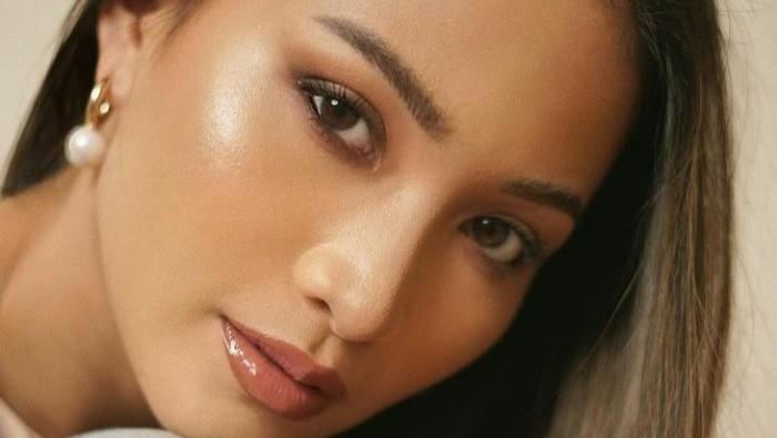 Inspirasi Makeup Malam Tahun Baru ala Beauty Influencer