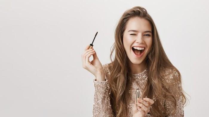 Hindari Hal-Hal Ini Biar Makeup Kamu Tahan Lama dan Amazing