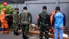 VIDEO: TNI-Polri Bangun Posko di Petamburan