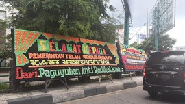 Karangan Bunga Dukungan FPI Dibubarkan Berjejer di Banda Aceh