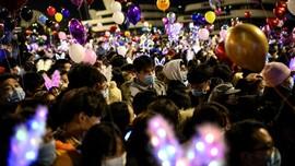 FOTO: Gemerlap Malam Tahun Baru di Kota Wuhan