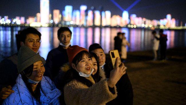 Hari ini, Sabtu (23/1, tepat satu tahun Kota Wuhan di Provinsi Hubei, China, dikunci total atau lockdown akibat penyebaran virus corona.
