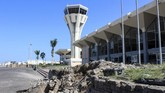 Ledakan hebat merusak Bandara Aden, tak lama setelah pesawat yang membawa kabinet pemerintahan baru Yaman tiba dari Arab Saudi, 30 Desember 2020.