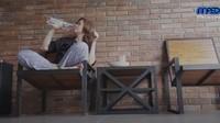 <p>Maia memilih untuk tidur di kamar putranya, Al Ghazali. (Foto: YouTube Maia Aleldul TV)</p>