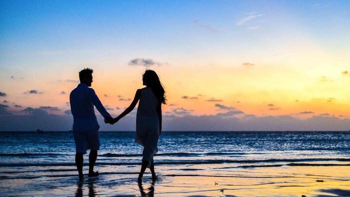 Tak Melulu Romantis, Ini 5 Tahapan Pertumbuhan Hubungan Setiap Pasangan