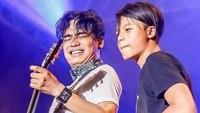 <p>Sejak kecil, Restu Gibhran sudah dikenalkan dengan dunia musik oleh sang ayah. Ia sering diajak manggung lho, Bunda. (Foto: Instagram @restuvht)</p>