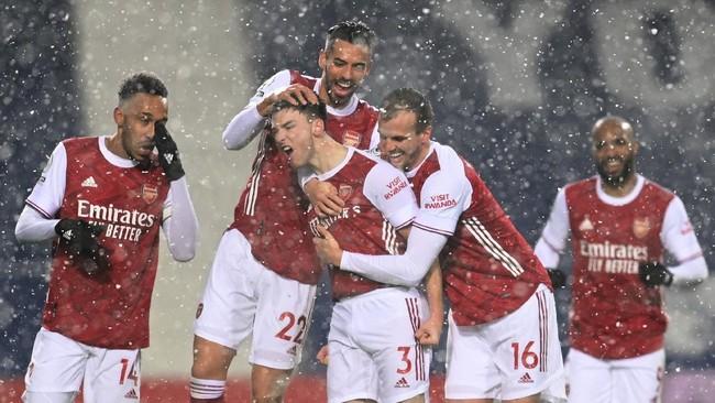 Mesin Arsenal tengah panas, usai dua kali menang beruntun kini The Gunners tampil menggila kala menggilas West Bromwich 4-0.