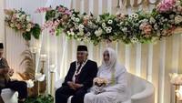 <p>Kita doakan, semoga pernikahan keduanya membawa berkah dan selalu diberi kebahagiaan oleh Allah SWT ya, Bunda. Aamiin.(Foto: Din Syamsuddin menikah (Foto: dok. Istimewa)</p>