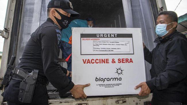 PT Bio Farma telah menyalurkan vaksin Sinovac secara berkala ke 34 daerah. Hingga kini sudah ada lebih 1 juta dosis vaksin didistribusikan.