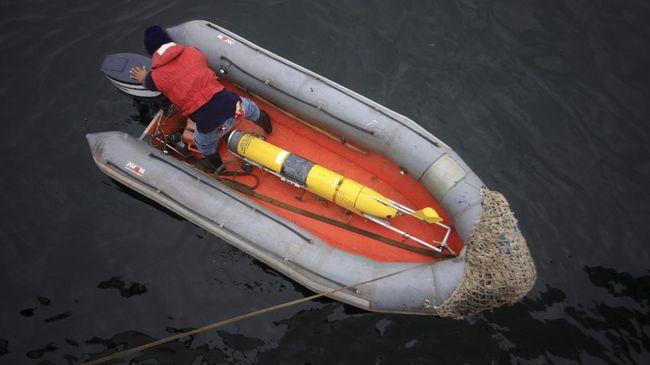 Pengamat hukum internasional menilai seaglider yang ditemukan di sekitar Selayar patut dicurigai sebagai alat mata-mata karena tak beridentitas.