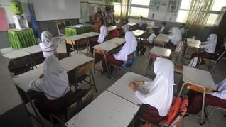Buka Sekolah Juli, Antara Data Vaksinasi dan Harapan Jokowi