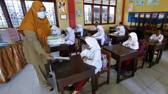 Kemendikbud menyatakan pembukaan sekolah tatap muka sekaligus dipakai untuk kampanye protokol kesehatan pencegahan Covid-19.