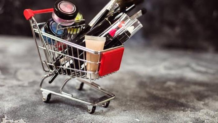 Intip Rekomendasi Produk Make Up Remaja yang Bisa Kamu Dapatkan di Minimarket!