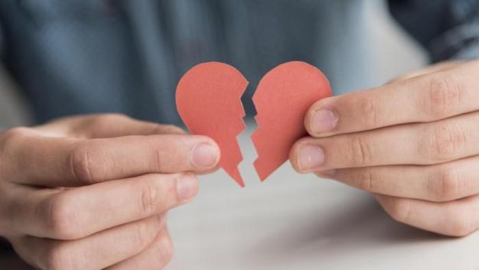 Jangan Disangkal, 5 Hal Ini Bisa Terjadi pada Tubuh Saat Patah Hati