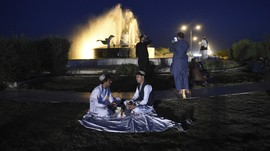 FOTO: Bayangan Taliban Pada Anak Muda Afghanistan