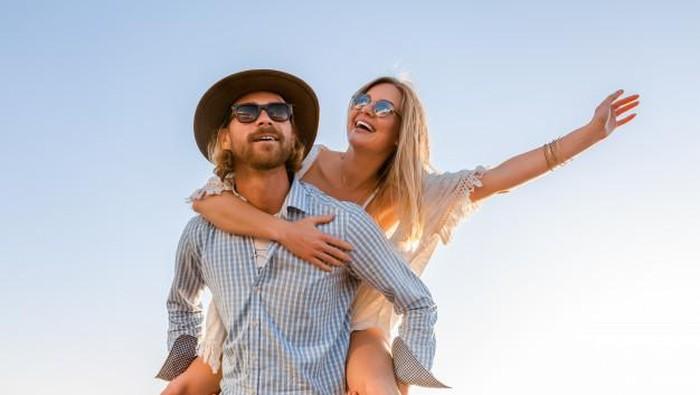 Buat Resolusi Hubungan Cinta Untuk Tahun Ini Berdasarkan Zodiak Kamu, Ladies!