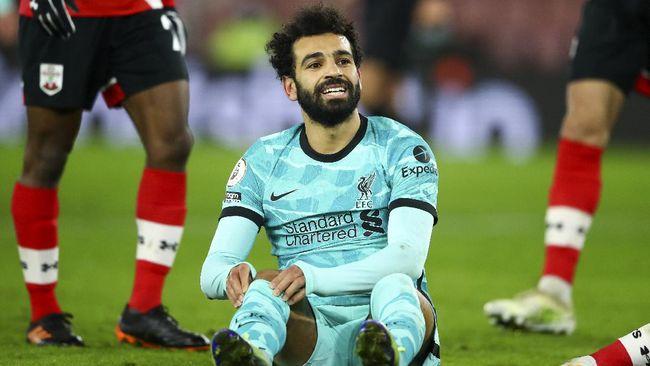 Gelandang Liverpool Fabinho menanggapi santai rumor Mohamed Salah bakal pindah ke Barcelona atau Real Madrid.