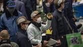 Lelang tuna pertama di pasar ikan Tokyo berbeda dari tahun-tahun sebelumnya. Peminat lelang sepi, karena dampak pandemi virus corona.