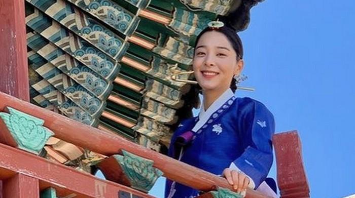 Kenalan dengan Seol In Ah, Pemeran Selir Jo Hwa Jin dalam Drama Mr. Queen