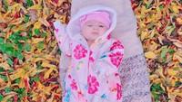 <p>Bayi perempuan Istri dan Musab lahir di Istanbul, Turki, pada 4 Oktober 2020. Ia diberi nama yang sangat cantik, Aycil Daneen Duzenli. (Foto: Instagram @istialqadri)</p>