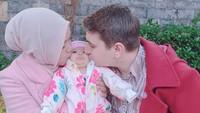 <p>Pasangan hijaber sekaligus YouTuber Isti Alqadri dan bule Turki, Musab, baru saja dikaruniai anak pertama. (Foto: Instagram @istialqadri)</p>