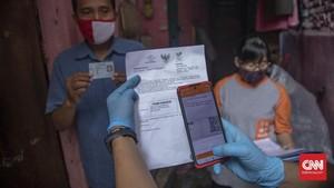 FOTO: Penyaluran Bansos Tunai via Pos Indonesia di Kenari