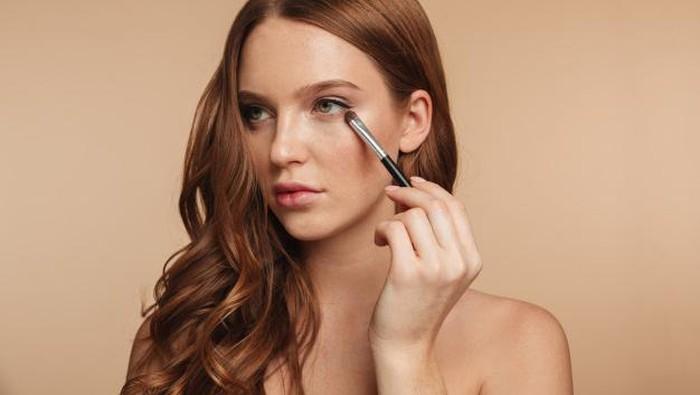 5 Tren Makeup 2021, Lebih Berani dan Berwarna