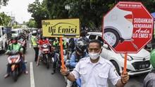 Tak Bisa Dibendung, Warga Antre Panjang Uji Emisi Gratis