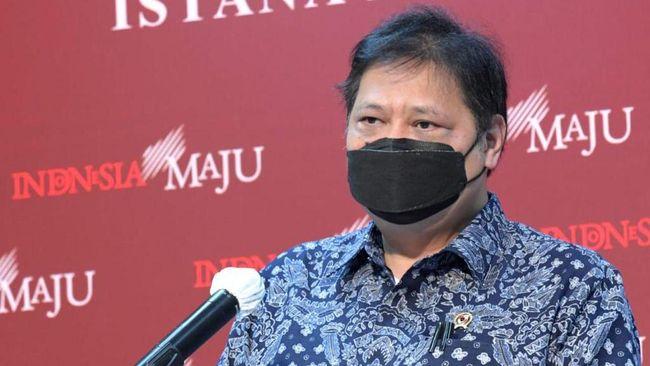 Ketua KPC PEN Airlangga Hartarto mengatakan perubahan definisi zonasi dilakukan guna menekan laju penularan virus corona.