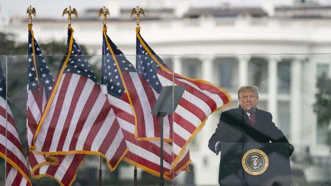 Selama menjabat di Gedung Putih, Trump dikenal sebagai salah satu pemimpin dunia yang sarat dengan kontroversi.