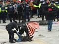 52 Orang Ditangkap Usai Rusuh Massa Trump di Gedung Capitol
