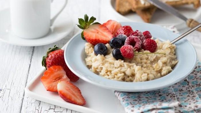 Rutin Sarapan dengan Oatmeal, 5 Manfaat Ini Bisa Kamu Dapatkan